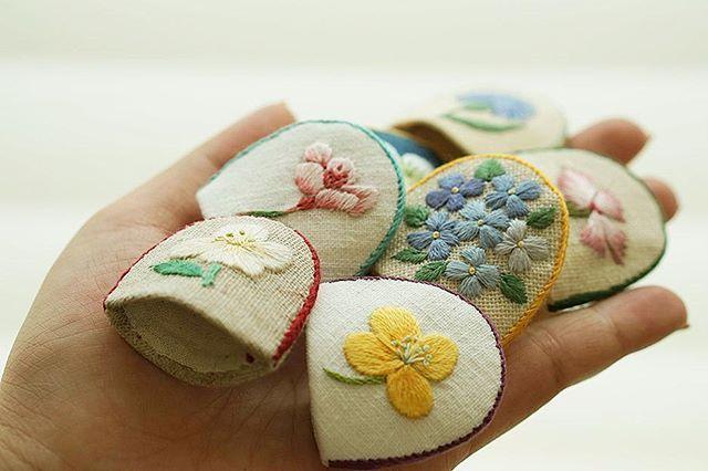 #야생화자수 #골무 #꿈소 #꿈을짓는바느질공작소  #자수 #자수타그램 #embroidery #handembroidery #embroideryart #wildflower #thimble #fingerhut #handmade