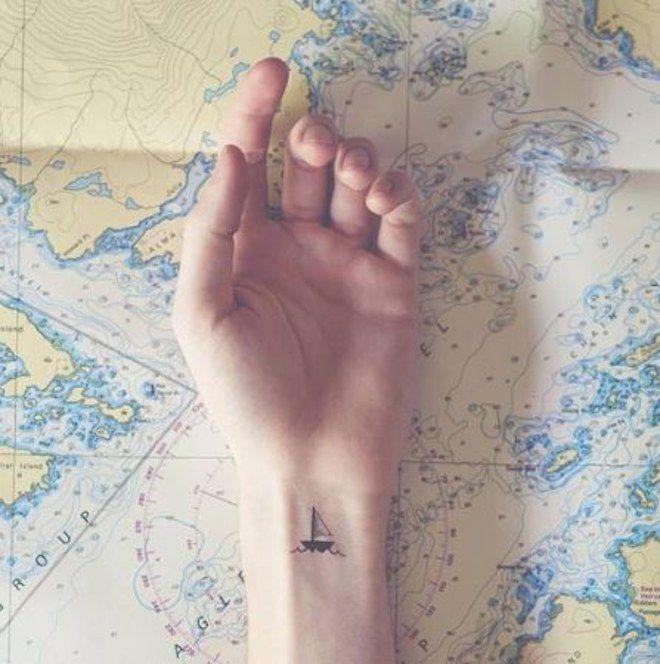 Segelboot Tattoo für Leute mit Wanderlust