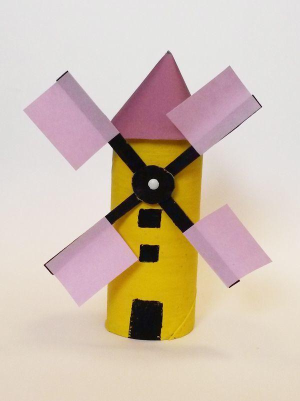 Un rouleau de papier toilette, du carton et des post-it, voila un chouette bricolage pour enfants spécial récup ! Réalisez très facilement ce moulin aux couleurs peps avec trois fois rien pour décorer ou pour jouer au meunier.