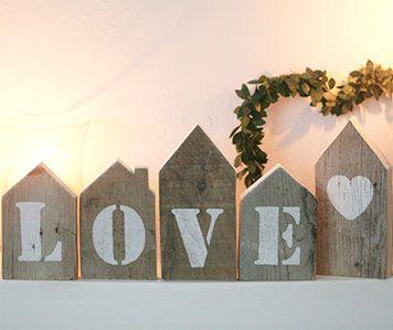 love-casette in legno di recupero