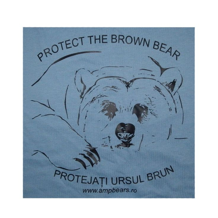 Chic cotton scarf in a triangular shape. Suitable as a fashion accessory, for sports and leisure. Sewn edges.It is embroidered with a picture of a bear from the sanctuary.