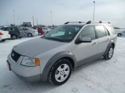 2007 Ford Freestyle SEL located at our North Edmonton location!  ***Sunroof & Leather***