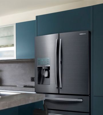 #Samsung #Food #Showcase French Door #Refrigerator, RF28JBEDBSG is beautiful and spacious addition to your #kitchen. You'll like the bright lighting, large size and beautiful finish (black stainless). The controls are easy to set. This #fridge is really quiet.  #frenchdoorrefrigerators #reviews #french #door #refrigerators #ratings