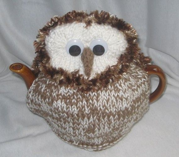 A cute little owl to roost on your teapot. Easy to follow, written knitting pattern. Make yourself an unusual tea cosy to keep – or for a gift thats unique. The sample is made to look like a barn owl, with his white and brown speckled front and his white face, but you could change the colours to look like your favourite owl. This pattern makes a cosy to fit a medium - large round teapot standing up to 15 cm tall. Payment by Paypal. Files are now sent automatically. Customers in EU…