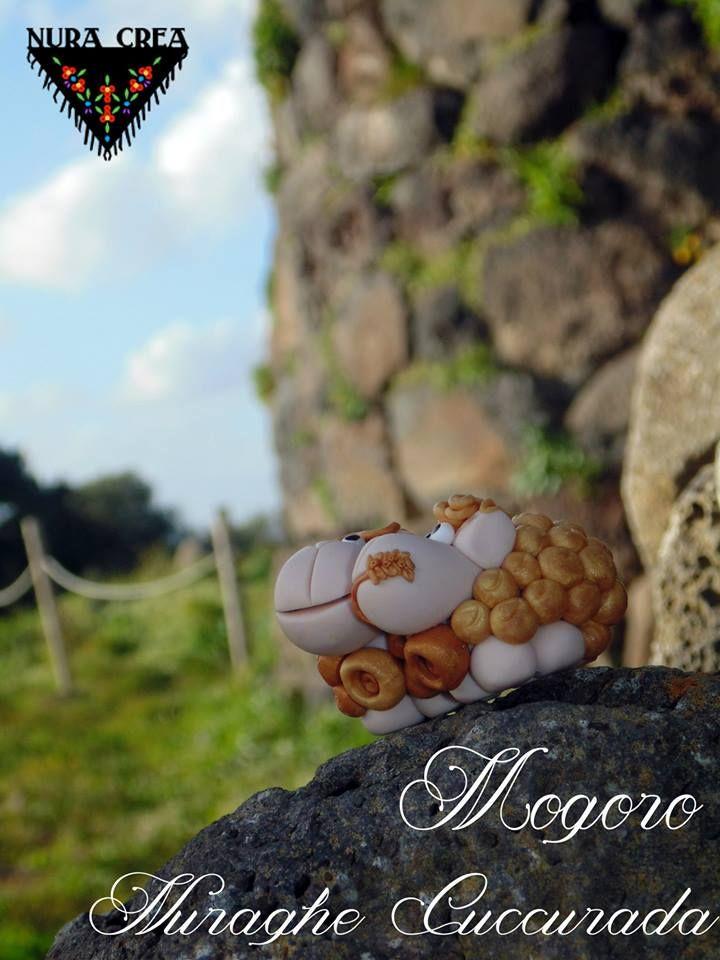 #mogoro, Nuraghe Cuccurada, #sardinia  golden brebi loves stones.  #brebidisardegna #nuracrea