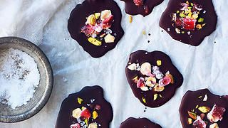 Sea salt, pistachio and Turkish delight chocolate snaps recipe : SBS Food