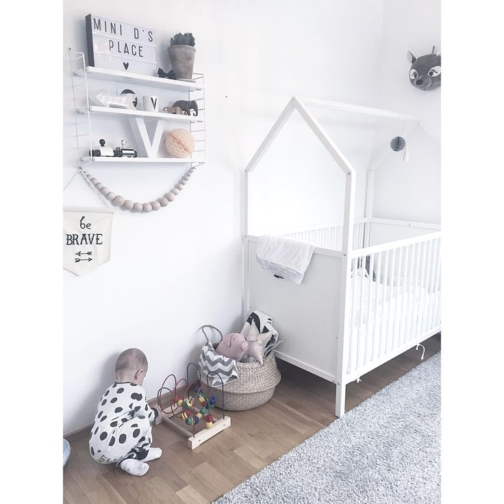 Stokke home white nursery furniture as seen in ida for Stokke baby furniture