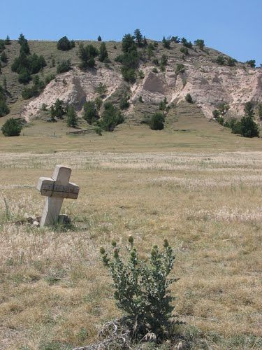 Lonely grave along the Oregon Trail