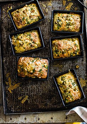 We love cornbread, and with this recipe for mini herb, green olive & buttermilk cornbreads we've made it even better. They're really easy to make, are ready in under an hour but look really impressive.