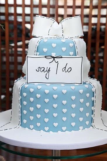Very cute wedding cake!