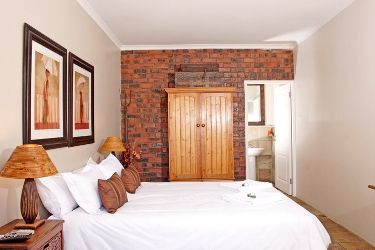 Bellville - Self Catering Guest House Cape Town - Excellent Guesthouse  http://capeletting.com/northern-suburs/durbanville/excellent-guesthouse-54/