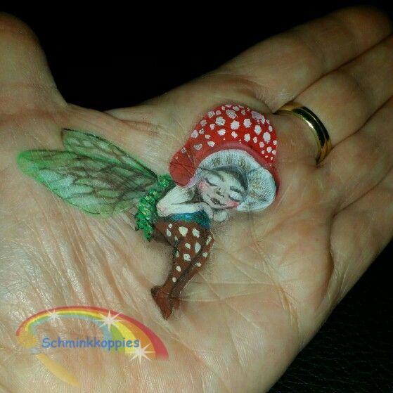 Little forrest fairy painted by Schminkkoppies. Facepaint www.schminkkoppies.nl