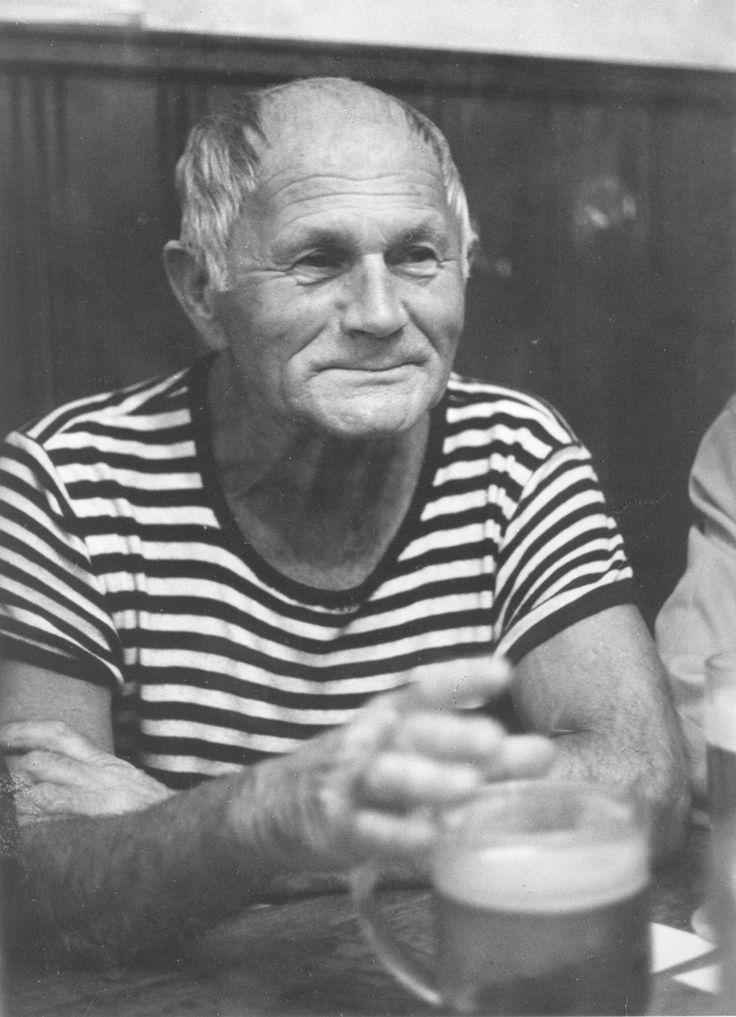 Bohumil Hrabal  világhírű cseh író.