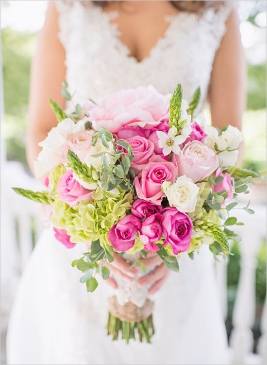 White and pink rose bouquet. Floral Design: Designs By De Simone --- http://www.weddingchicks.com/2014/05/20/italian-infused-rustic-chic-wedding/