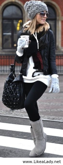 Winter outfit, minus the Uggs: Ugg Boots, Snow Boots, Fall Wint, Cold Day, Winter Outfit, Winter Styles, Leather Jackets, Winter Fashion, Cold Weather