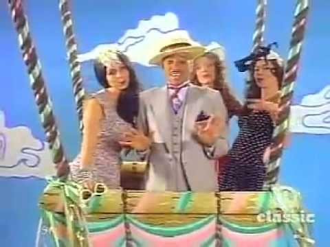 Dinah Shore / Sean Connery present Dr. Buzzard's Original Savannah Band (Cherchez la Femme) - YouTube