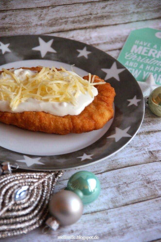 mellimille: Weihnachtsmarktgefühle in meiner Küche.... Langos mit Knoblauchcreme