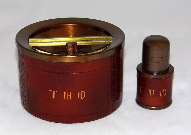 Vintage Art Deco Desk Cigarette Lighter And Ashtray By Beacon Made In Usa