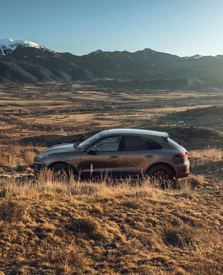 The Macan GTS. Designed to blaze its own trail. #PorscheMoment #Porsche #Macan (…