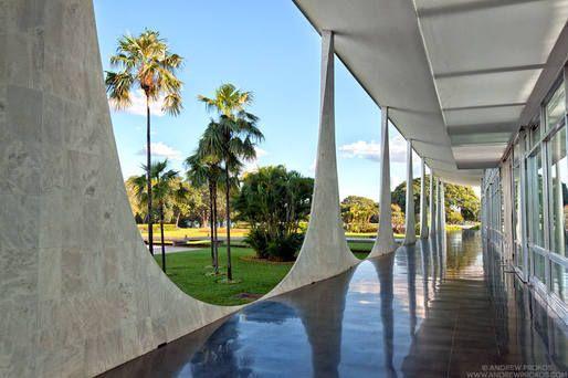 Palacio da Alvorada   Oscar Niemeyer © Andrew Prokos   Archinect