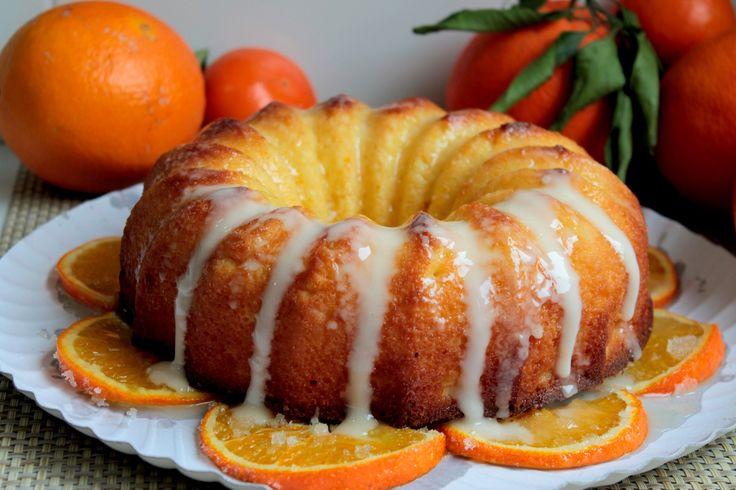 Cómo hacer bizcocho de naranja glaseado sin lactosa. Jugoso y tierno bizcocho con con un intenso sabor a naranja y un rico glaseado sin lactosa. Videoreceta