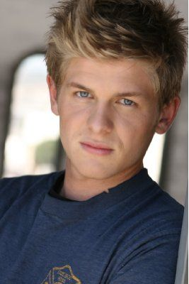 Michael Grant Terry-Michael Terry, sometimes credited as Michael Grant Terry, is an American actor known primarily for his role as Wendell Bray on the Fox series Bones.