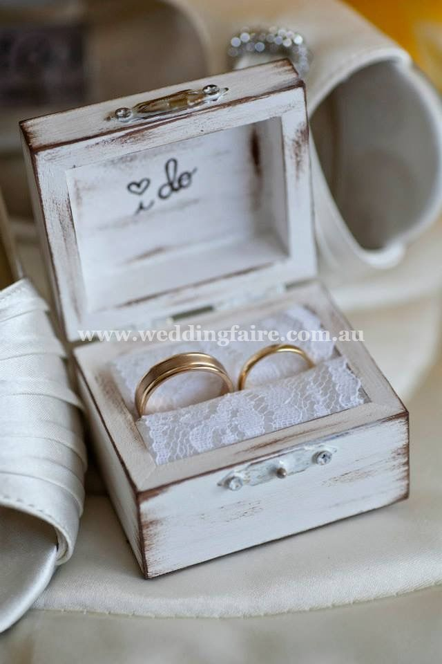 PRE ORDER - Rustic chic I DO ring bearer box - Colour #1 - The Wedding Faire