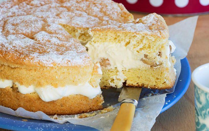 Ginger sponge with feijoa cream filling