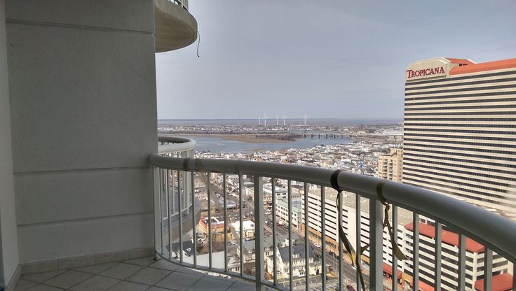Fully remodeled 1bd 1 5ba for rent in the ocean club for Balcony features