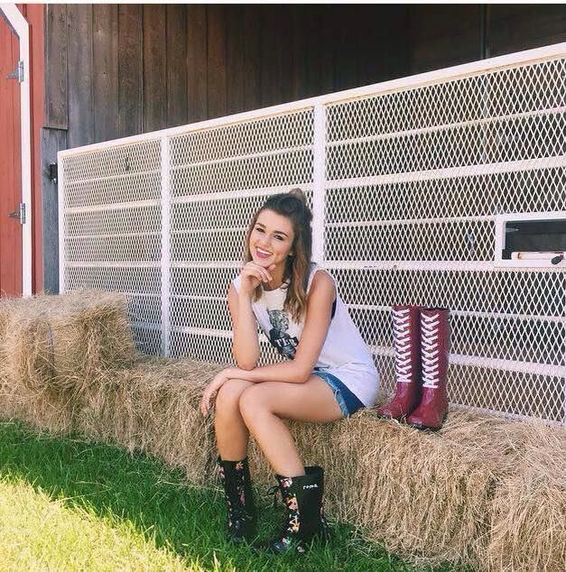 (1) Sadie robertson fanpage changed their cover photo. - Sadie robertson fanpage