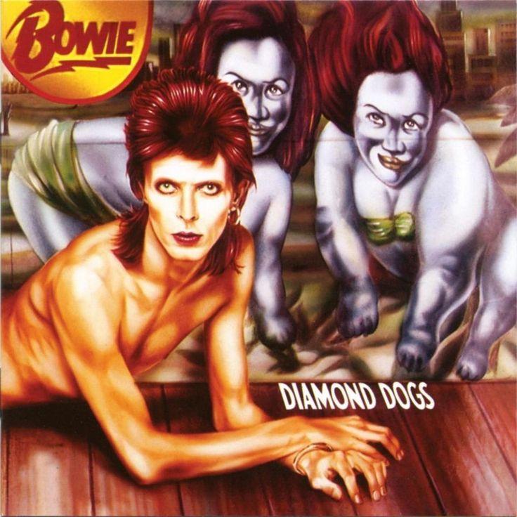 Diamond Dogs (1974)    Les organes génitaux des chiens ne plaisaient pas tellement en 1974. Du coup, dans la tradition de la « couverture de boucher » , la pochette d'album originale extrêmement rare est devenu très prisée lors des ventes aux enchères, avant que les parties censurées. L'artiste belge Guy Peellaert avait sorti un incroyable livre de peintures d'icônes du rock dans des décors surréalistes appelé Rock Dreams.  [Jagger] ne me l'a jamais pardonné ! ».