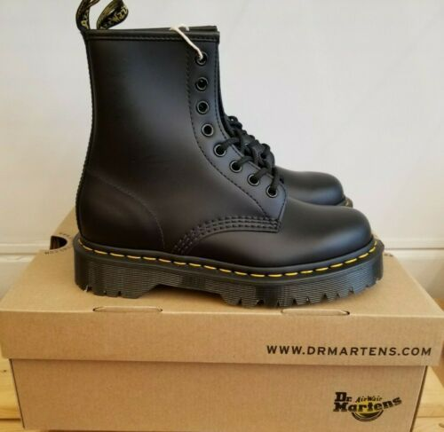 DR MARTENS 1460 WOMEN'S SMOOTH LEATHER LACE UP BOOTS in 2020