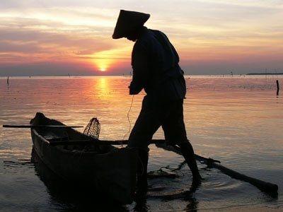 Barometer Berita Terkini, Ribuan Nelayan di Indramayu Belum Dapat Asuransi