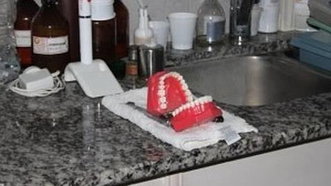 Le robaron a un odontólogo y le dejan solo una dentadura postiza riéndose en #Argentina