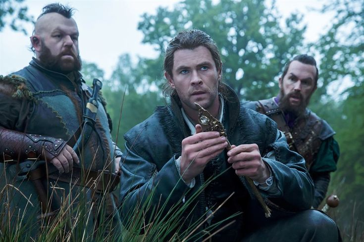 Le Chasseur et la reine des glaces : Photo Chris Hemsworth, Nick Frost, Rob Brydon