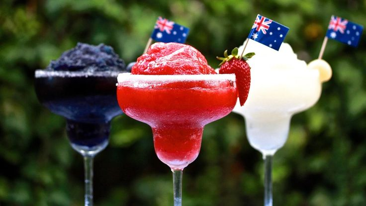 FROZEN DAIQUIRIS: Happy Australia Day! Why not celebrate the occasion with an ice cold daiquiri! Mixed with ice, white rum, lime and sugar, as well as some ingredients of your choice to flavour it. Recipes on the blog!