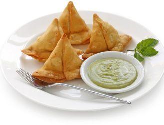 Indyjskie samosy z jagnięciną i sosem miętowym   Blog kulinarny - oryginalne przepisy oraz porady kulinarne