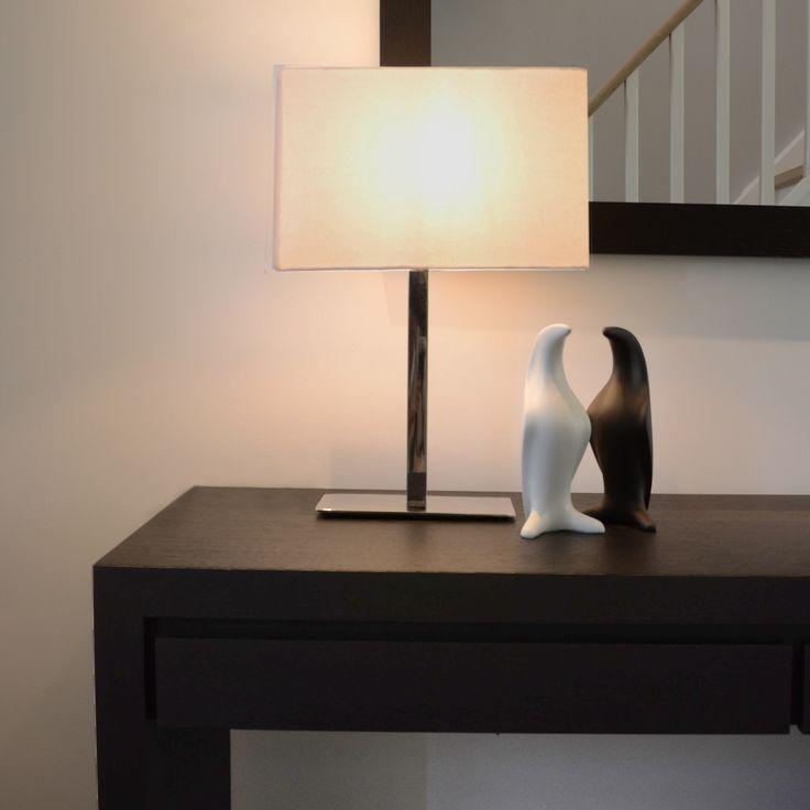 In onze concept stores kan je alles vinden voor de aankleding van jouw interieur: van meubels tot decoratie en verlichting. Bezoek snel één van onze winkels en laat je inspireren!