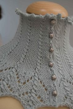 Pudorosa front by Lia Knits, via Flickr