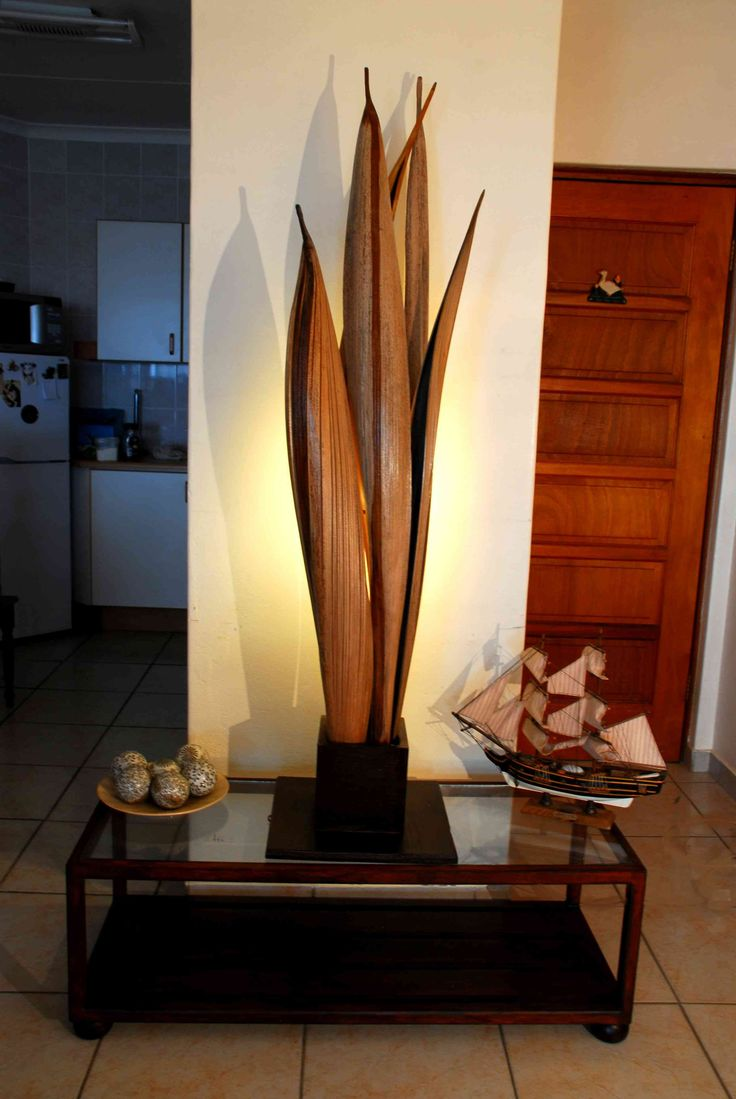 Natural palm pod lamp
