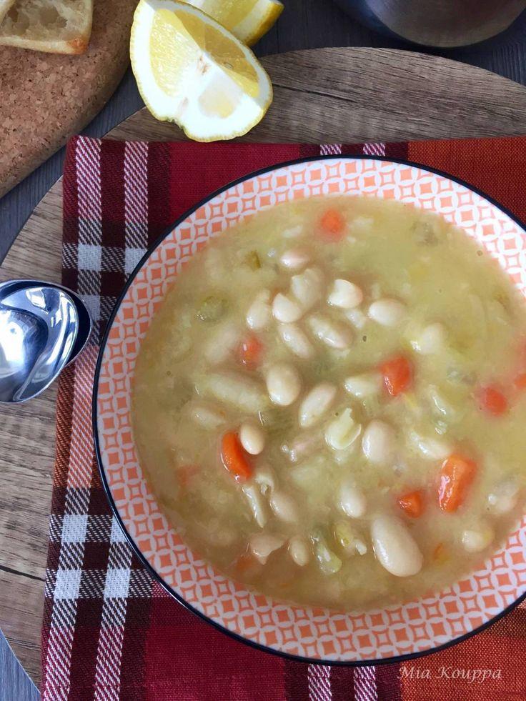 Fasolatha Leomony white bean soup