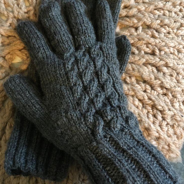 #gloves #madeforhim #knit #knitting #grey #christmasgift