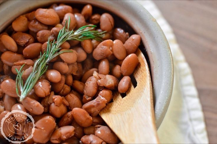 I don't think I will ever tire of these crock pot pinto beans, and hopefully my family doesn't either since I make them several times a month.