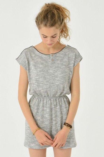 Adolescent cornée gratuit en jupes courtes