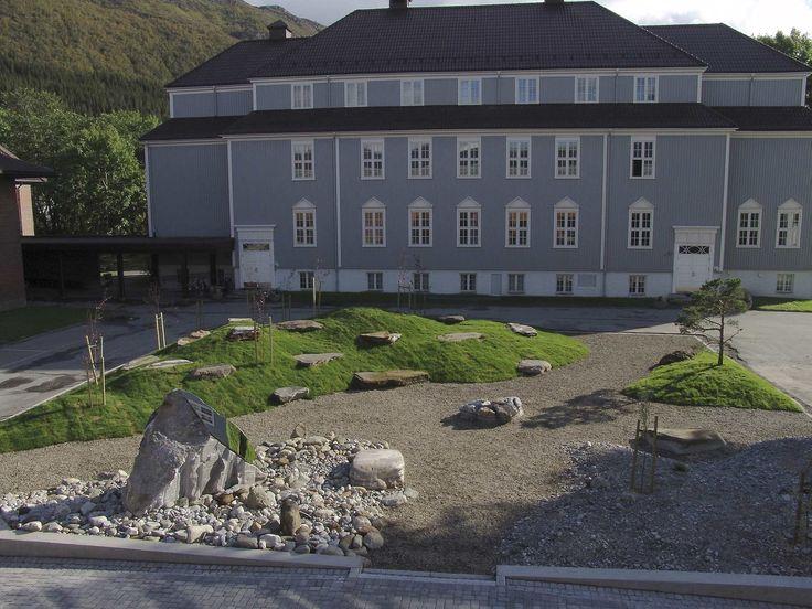 Parkanlegg [Skulptur] - Kunst i offentlige rom - KORO / DigitaltMuseum