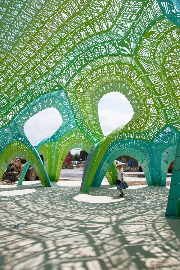 Pleated Inflation, Marc Fornes/Theverymany™, 2015.  http://www.experimenta.es/noticias/arquitectura/pleated-inflation-de-marc-fornes-theverymany/