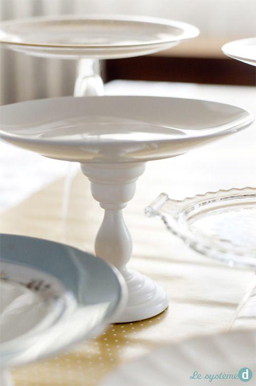 Plateaux de service DIY | Le système D. Créer ses propres plateaux avec de la vaisselle dépareillée et des chandeliers, verres, bols, assiettes ou tasses en guise de bases.