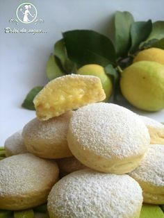 Biscomtti con crema al limonem Looks Luscious! I only wish the recipe Was in English!