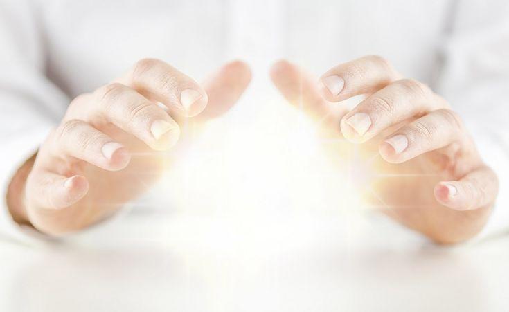 Curso de Reiki será ministrado em Botucatu no mês de março - Será realizado em Botucatu entre os dias 24 e 26 março um curso de Reiki,técnica de harmonização e cura através da imposição das mãos e que utiliza a energia cósmica universal. Serão oferecidos três níveis de treinamento. O Reiki é hoje reconhecido e considerado pela Organização Mundial da Saúde - http://acontecebotucatu.com.br/geral/curso-de-reiki-sera-ministrado-em-botucatu-no-mes-de-marco/