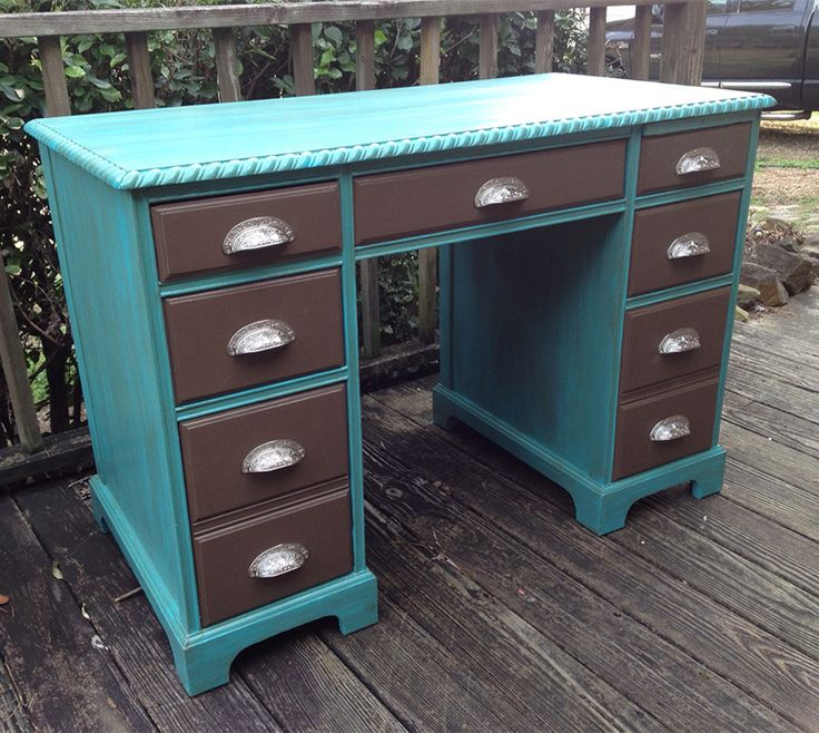 This 50u0027s Executive Desk Has Been Repurposed With Mineral Paint From Dixie  Belle Paint Company Using